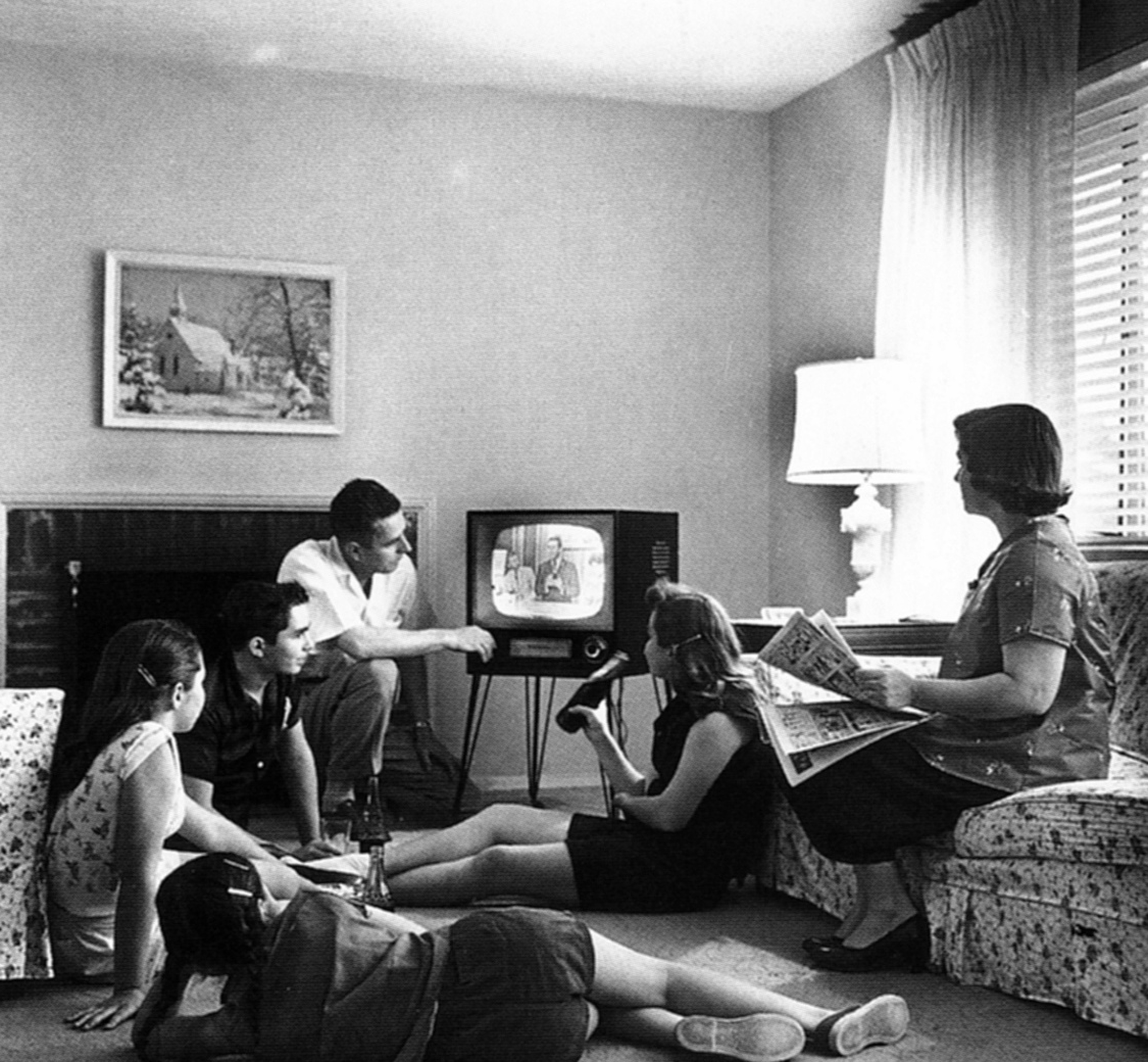 Family_watching_television_1958_low